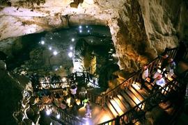 Tour Đà nẵng – Huế, Vùng Đất Trầm Tích Lịch Sử