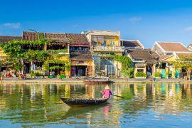 Tour du lịch Sài Gòn Đà Nẵng - Hội An - Bà Nà - Huế - Sơn Trà tàu hỏa khách đoàn