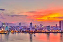 Tour du lịch Hà Nội đi Đà Nẵng - Hội An - Huế - Động Phong Nha tàu hỏa khách đoàn