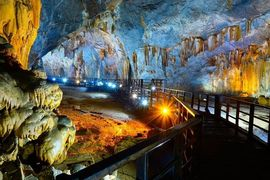 Tour Đà Nẵng Huế Động Phong Nha khách lẻ