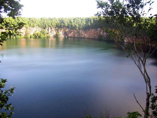 wallis-crater-lake-cs