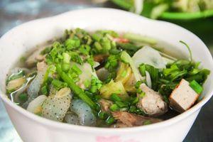 Đến Nha Trang thưởng thức bún sứa đậm đà hương vị