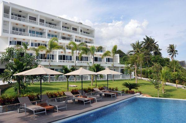 the-cliff-resort-residences