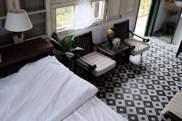 nha-gio-the-old-home-homestay-da-lat-phong-co-bay