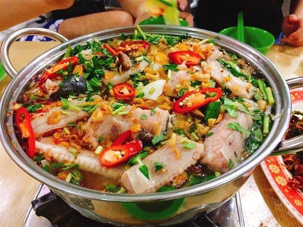 xach-balo-thang-tien-ra-vung-tau-an-uong-tha-ga-chua-den-500k-9eec2c9b636241687479993097