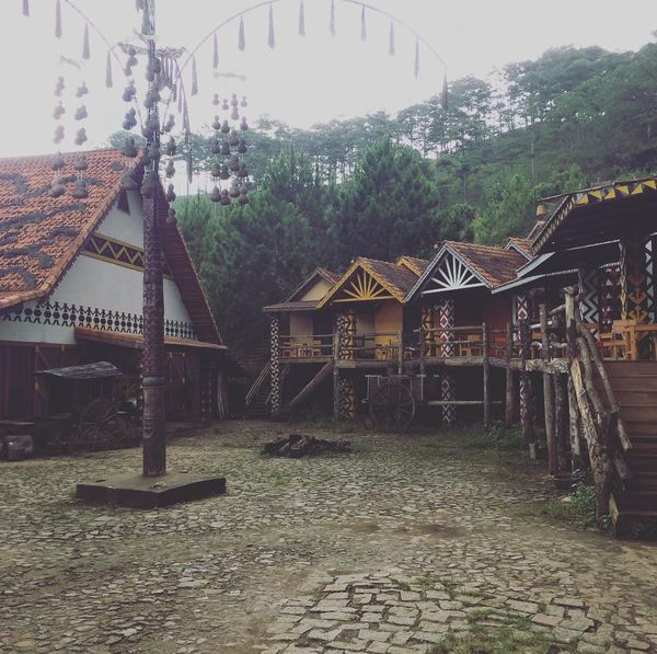 lang-cu-lan-bazan-travel-2