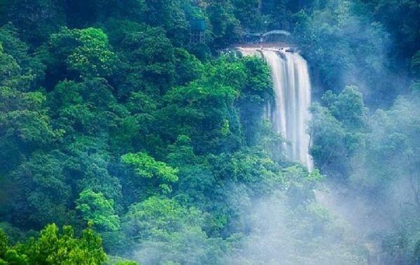 net-ki-ao-cua-thac-ankroet-bazan-travel