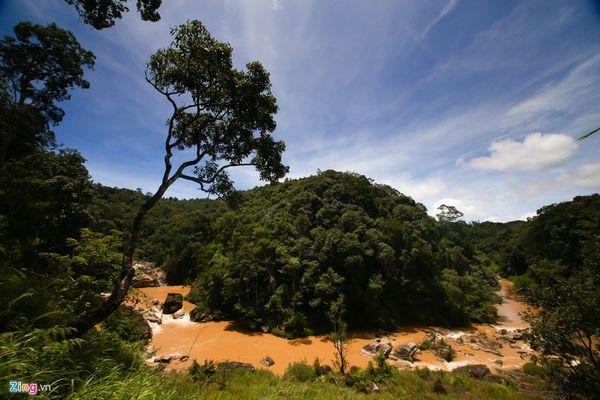 toan-canh-thac-pang-tieng-bazan-travel
