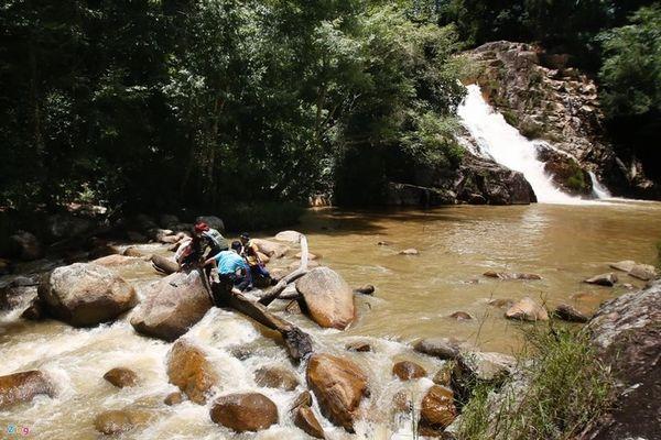 21731 du lich thac pang tieng bazan travel 600x400 - Thác Păng Tiêng Đà Lạt