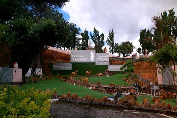 nha-tho-thanh-mau-bazan-travel
