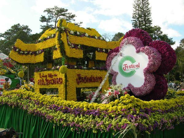 festival-hoa-da-lat-bazan-travel