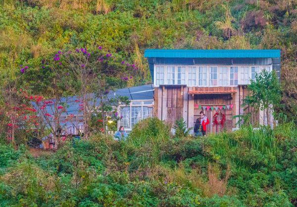 ngo-dau-homestay-bazan-travel