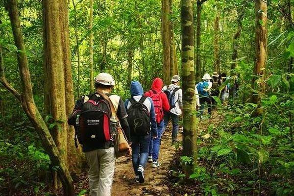 trekking-vuon-quoc-gia-cat-tien-bazan-travel