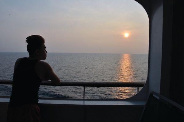 thuyen-cau-muc-bazan-travel-1