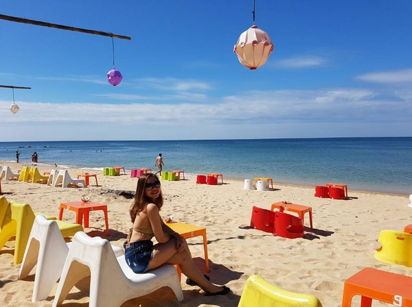 rorys-beach-bar-stword-bazan-travel