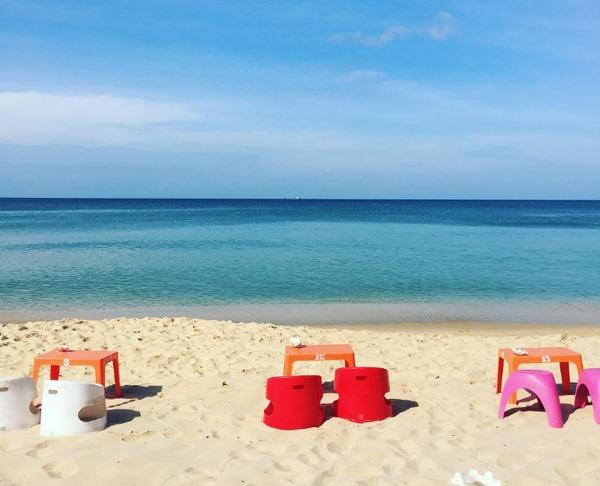 rorys-beach-bar-bazan-travel