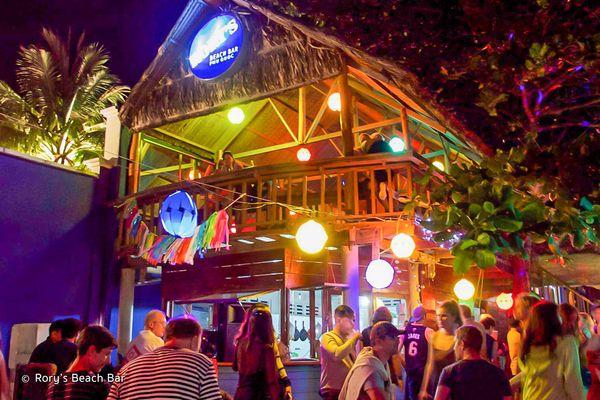 rorys-beach-bar-01-bazan-travel