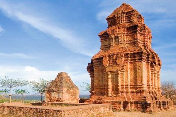 thap-cham-poshanu-bazan-travel