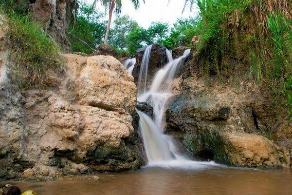 dong-thac-nho-dau-nguon-suoi-tien-bazan-travel