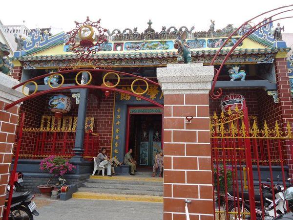 chua-ong-bazan-travel-10