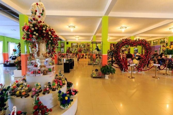 showroom-hoa-kho-du-lich-da-lat-bazan-travel-700x467
