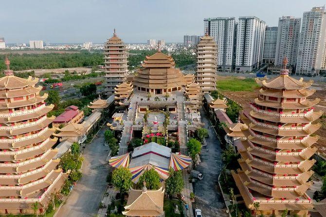 tour-hanh-huong-10-chua-vung-tau-tet-nguyen-dan1