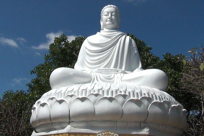 tour-hanh-huong-10-chua-vung-tau-tet-nguyen-dan8