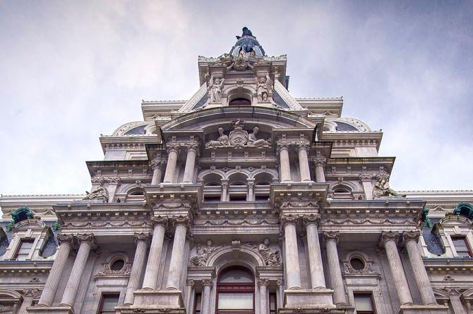 mc-nws-philly-city-hall-tower-climb-video-20170801