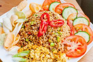 Đi Malaysia thưởng thức món cơm rang Nasi Goreng