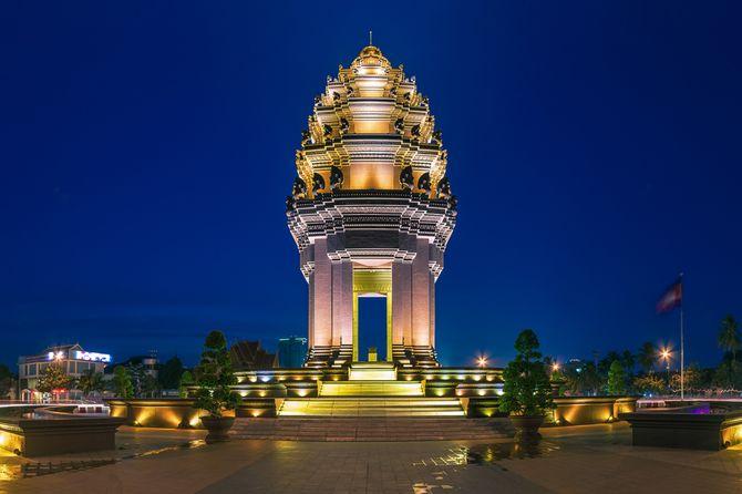 tuong-dai-doc-lap-phnompenh