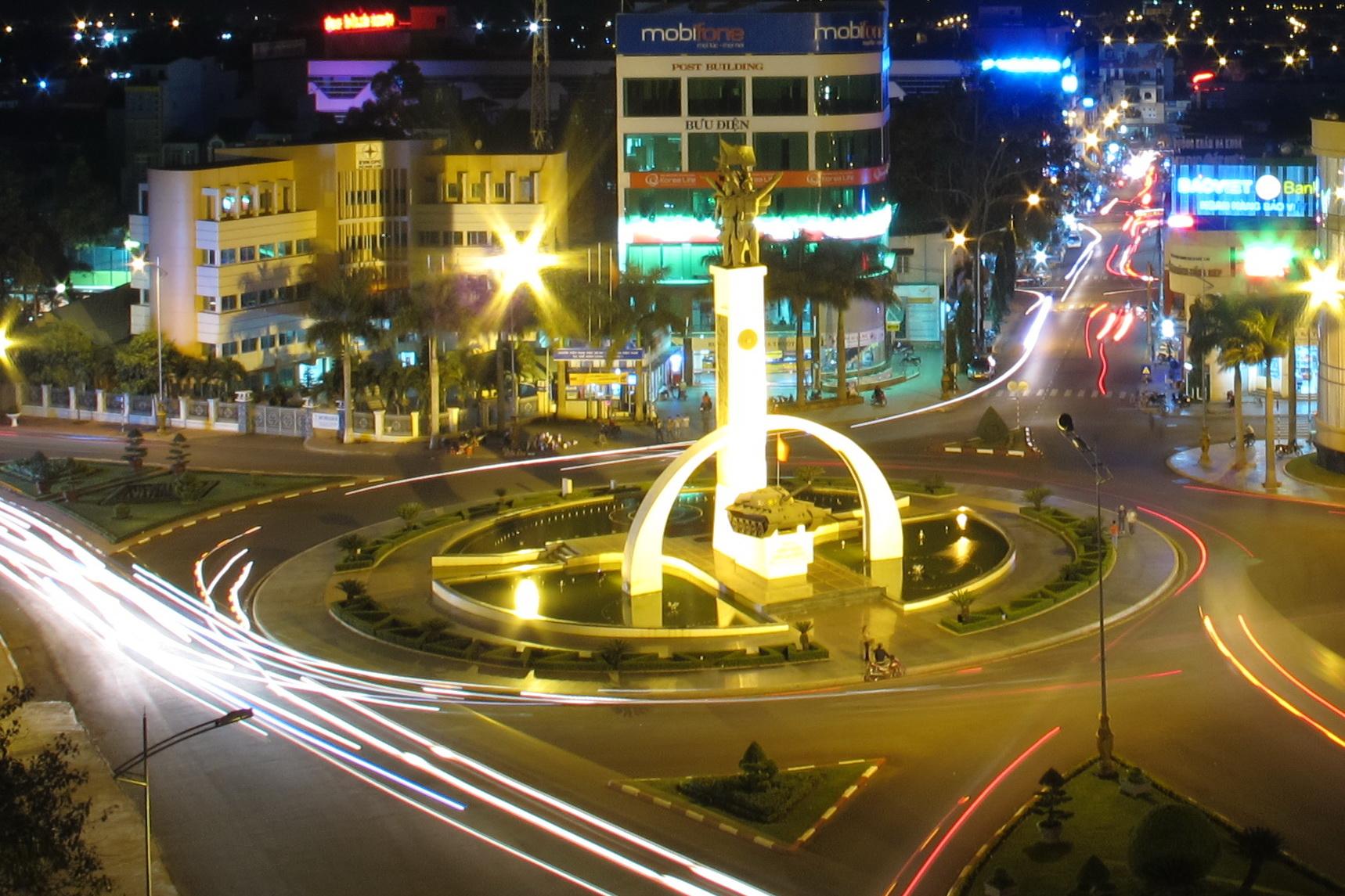 Chợ đêm ngã 6 ở Đắk Lắk