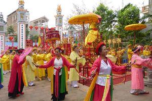 Lễ hội đền Chúa xã Cổ Nhuế ở Hà Nội