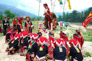 Lễ hội Nào Cống ở Lào Cai