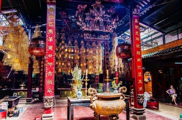 chua-ong-can-tho-bazan-travel