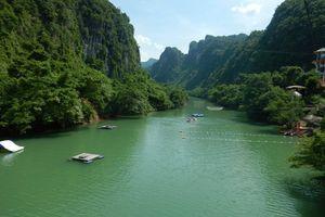 Xiêu lòng với cảnh đẹp như tranh tại thiên đường Suối Nước Moọc – Quảng Bình