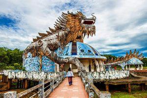 Rùng rợn khám phá công viên nước bỏ hoang ở Huế