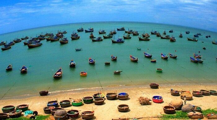 ben-thuyen-mui-ne-bazan-travel