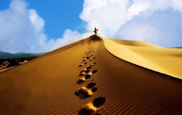 doi-cat-mui-ne-tai-phan-thiet-bazan-travel