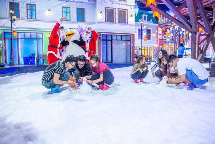 truot-tuyet-o-snow-town-saigon
