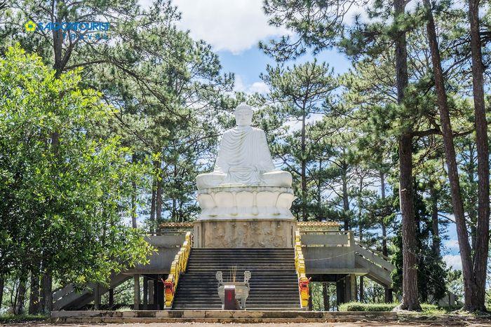 thien-vuong-co-sat-pagoda-in-da-lat-city