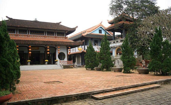 chua-huyen-khong