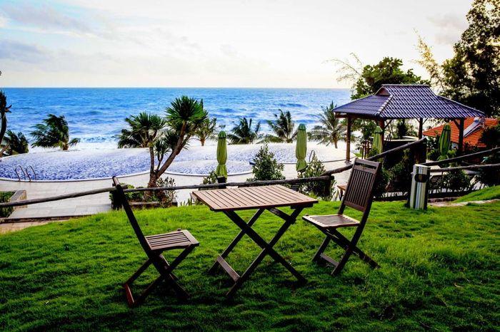 phu-quoc-eco-beach-resort