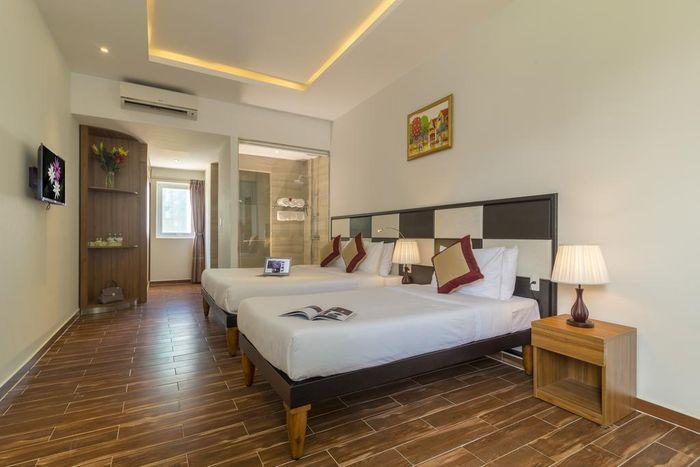 palm-beach-hotel1