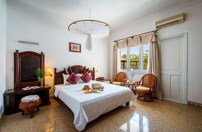 pool-view-executive-suite-binh-chau-resort