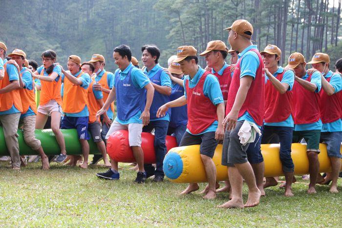 cho-thue-phao-hoi-choi-team-building3