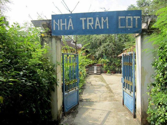 nha-tram-cot
