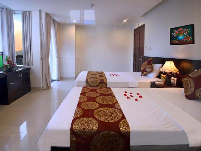 khach-san-2-sao-nha-trang-azura-hotel-1