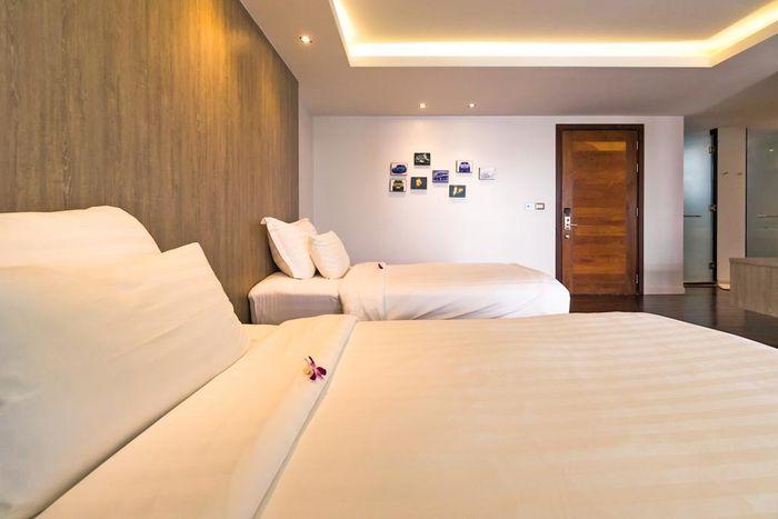 phong-the-nchantra-pool-suite-phuket