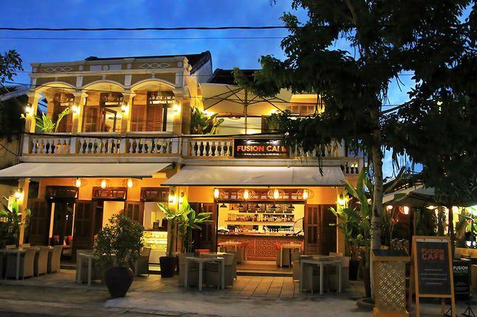 the-fution-cafe1