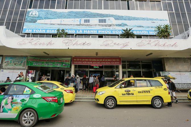 di-chuyen-da-nang-bang-taxi
